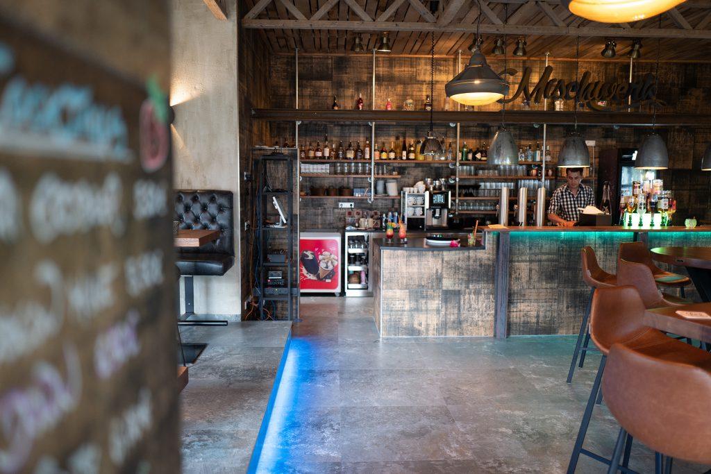 mischwerk-bar-cocktails-hofgut-tiergarten-aulendorf-14-1024x683
