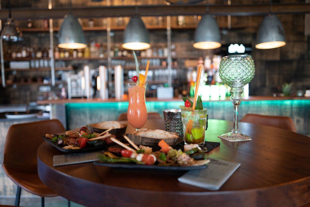 mischwerk-bar-cocktails-hofgut-tiergarten-aulendorf-25-1024x683