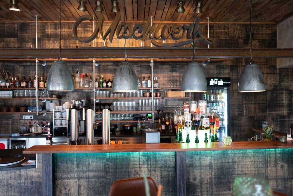 mischwerk-bar-cocktails-hofgut-tiergarten-aulendorf-26-1024x683