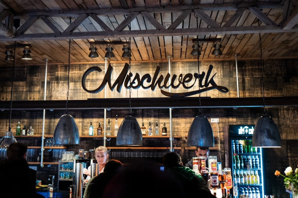 mischwerk-bar-cocktails-hofgut-tiergarten-aulendorf-headbild-4-1024x680