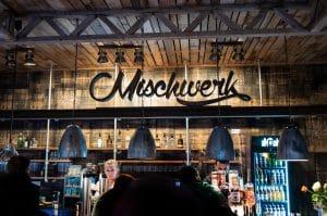 mischwerk-bar-cocktails-hofgut-tiergarten-aulendorf-headbild-4-300x199